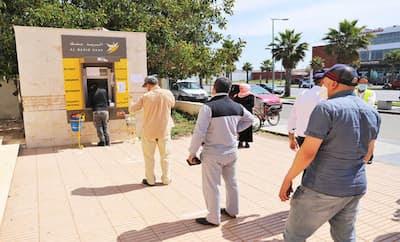 الحكومة تتجه إلى صرف التعويضات للقطاعات التي تضررت من الاغلاق و حظر التنقل الليلي خلال رمضان