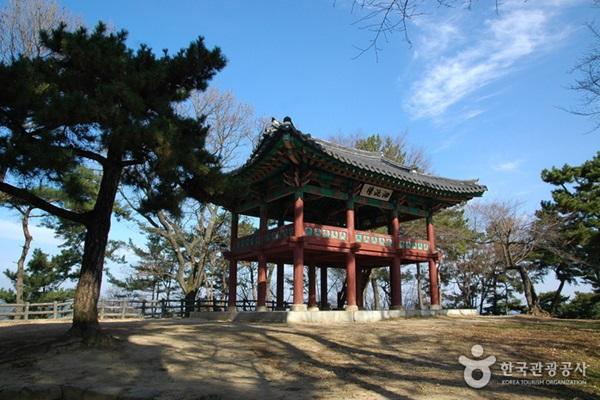 ป้อมพูโซซานซอง (Busosanseong Fortress)