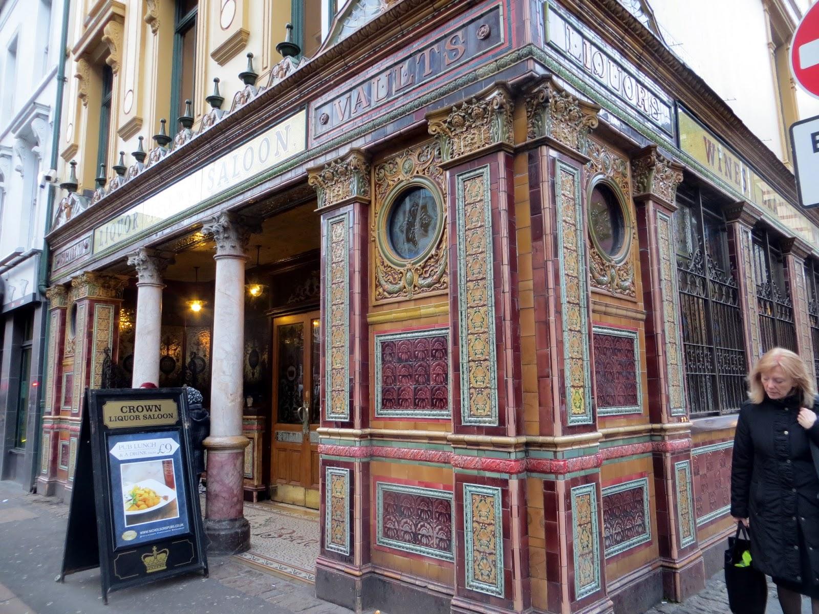 Crown pub, Belfast, Ireland, Northern Ireland, Murals, Troubles, Ulster, Political, Titanic,