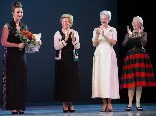 Queen Ingrid Honors Award, dancer Andreas Kaas and jazz singer Sinne Eeg, Diamond tiara