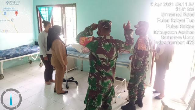 Personel jaajran Kodim 0208/Asahan Jenguk Warga Binaannya Yang Sakit