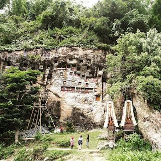 gambar obyek wisata menarik londa toraja