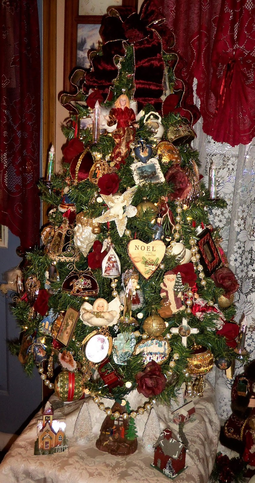 Christmas Home Tour, Den, Tree and Vignettes, 2019