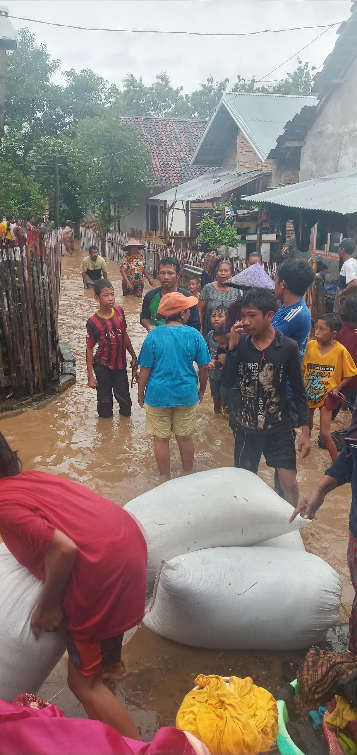 Puluhan Rumah Warga Desa Tonda Terendam Banjir