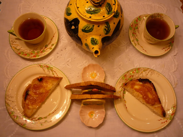 Organic tea, toast and marmalade