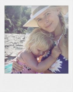 Sarah wright with her daughter Esme Olivia Olsen