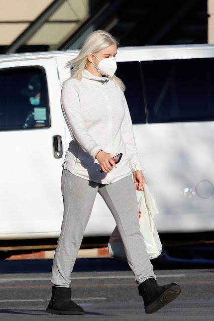 Ariel Winter – Seen after leaving the salon in Los Angeles