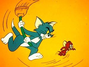 Dibujo de Tom pegando a Jerry con una escoba