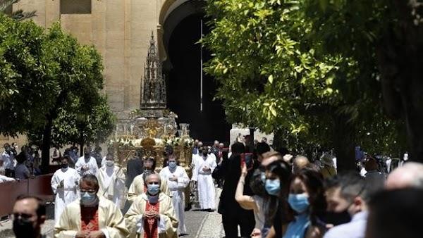 La procesión del Corpus Christi en Córdoba volverá a recorrer el Patio de los Naranjos