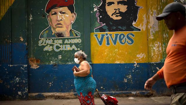 """Cuba denuncia el """"cruel"""" bloqueo de EE.UU. que le impide comprar medicamentos para combatir el covid-19"""
