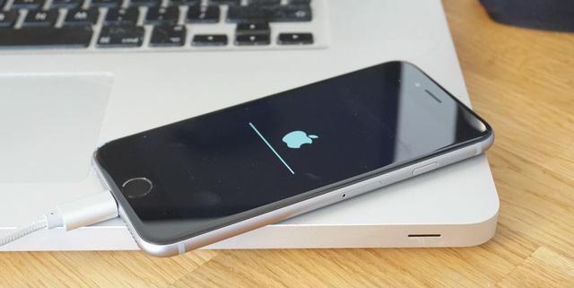 Người dùng iOS 10.2 không thể hạ cấp xuống phiên bản thấp hơn. Đây là quy định của Apple !