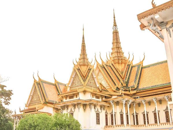 Pertama Kali Ke Phnom Penh, Langsung 'Digiring' di Royal Palace of Cambodia!