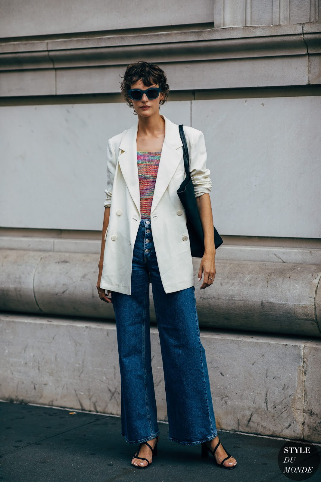 This Model Wears the Chic Blazer That You Need to Buy Immediately