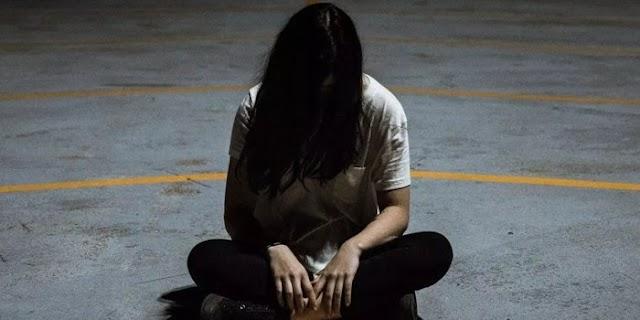 ढोंगी तांत्रिक ने पूरे परिवार को जाल में फंसाया, फिर लड़की का कई बार रेप किया | CRIME NEWS