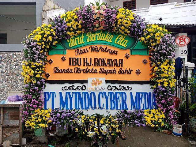 toko-bunga-agustina-florist-jual-bunga-papan-pernikahan