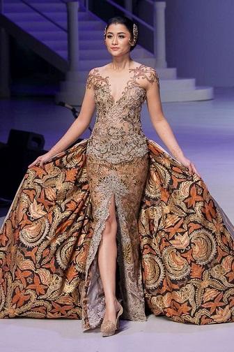 Model Kebaya Lengan Pendek Anne Avantie Terbaru
