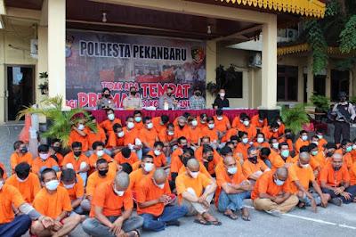 Kapolresta Pekanbaru Tancap Gas, Sebanyak 79 Pria Diduga Terlibat Premanisme Ditangkap