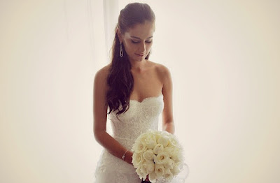 Foto Marissa Nasution pakai gaun pernikahan
