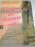https://bienesbuecher.blogspot.de/2014/03/rezension-vergiss-den-sommer-nicht.html