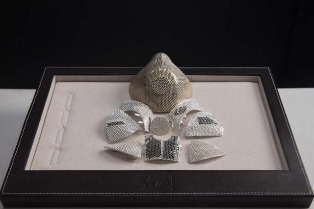 C'est le masque le plus cher du monde: fabriqué en or et diamants