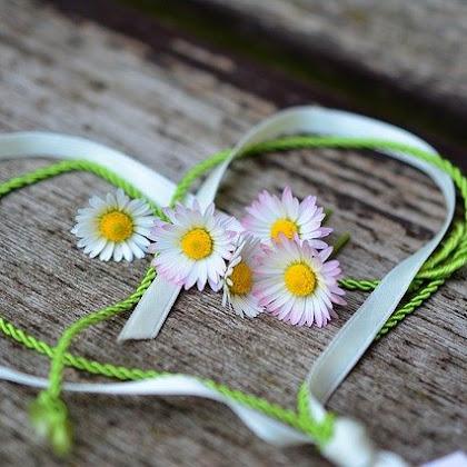 Sajak Cinta Untuk Teman Istimewa