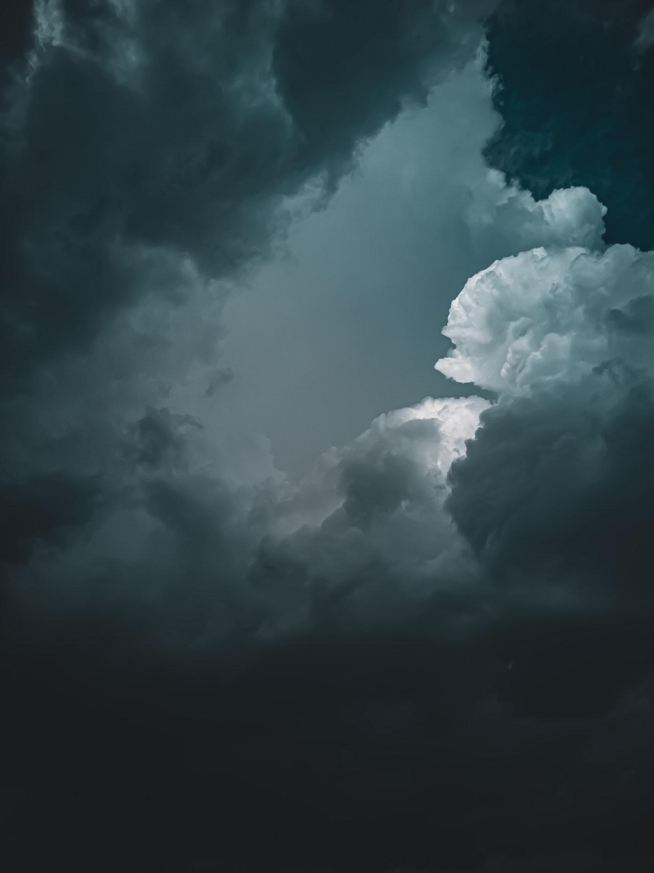 صور غيوم - خلفيات غيوم سماء للتصميم 2021