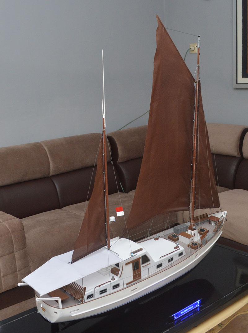 pengrajin miniatur kapal yacht raden mas rumpun art work planet kapal indonesia semarang