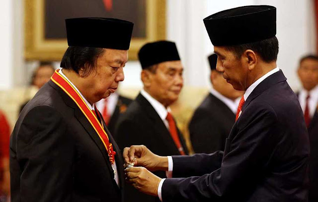 Bank Mayapada Bermasalah,Aktivis 98: Sri Tahir Harus Dipecat dari Wantimpres Jokowi