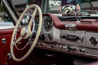 classic car dealers in NY