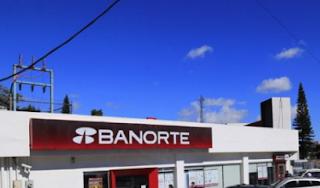 Asaltan sucursal Banorte en avenida 20 de Noviembre en Xalapa Veracruz