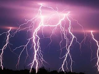बिहार में पटना सहित कई जिलों में तेज बारिश के साथ ओलावृष्टि, वज्रपात