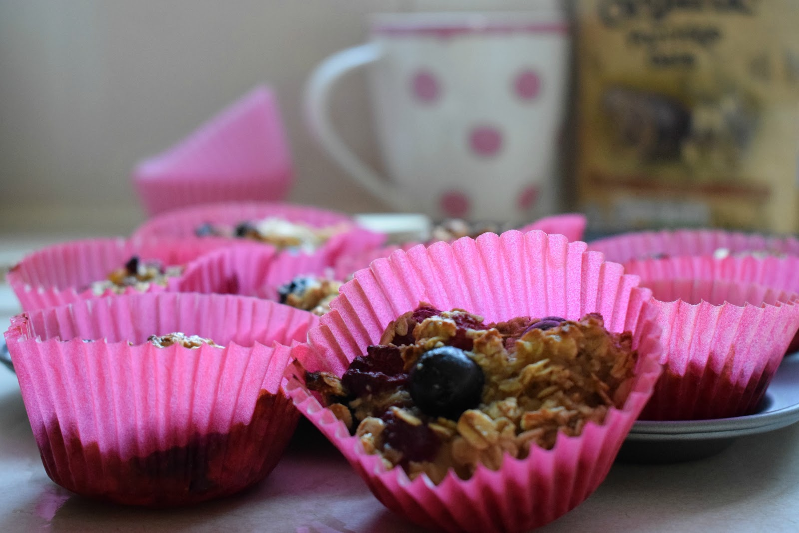 Oaty/fruity breakfast bun recipe