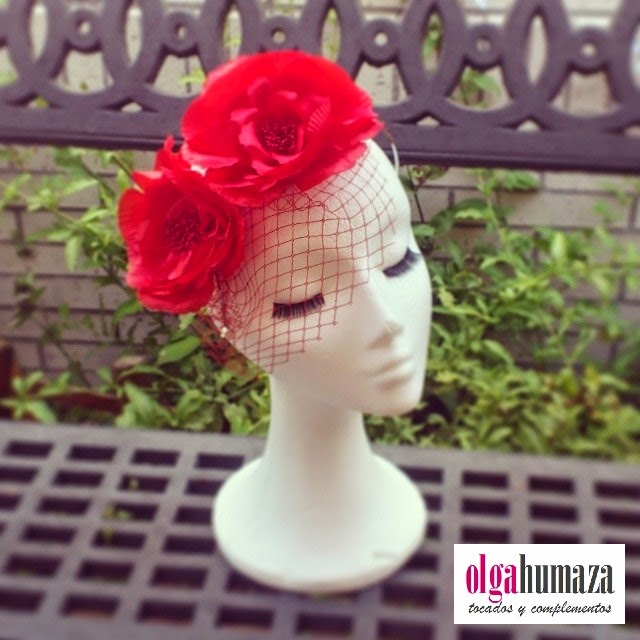 http://olgahumaza.blogspot.com.es/2014/06/b39-tocado-diadema-de-flores-en-rojo.html