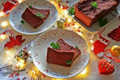 Świąteczny wegański pasztet z burakami