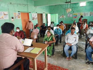 #JaunpurLive : वैक्सीनेशन के प्रति लोगों को करें  जागरूक- बेसिक शिक्षा अधिकारी