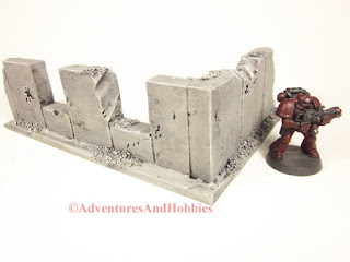 Battle damaged corner concrete wall section T591 with two windows for 25-28mm war games - exterior view - UniversalTerrain.com