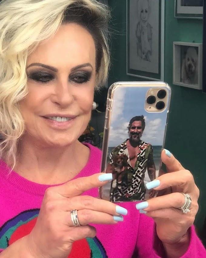 Ana Maria Braga retribui homenagem de Mion e usa capinha com foto do apresentador