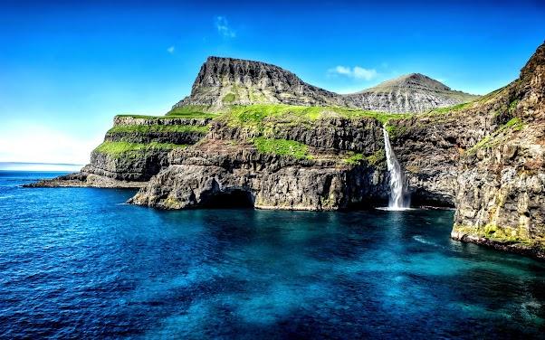 Hawaii Islands Waterfall