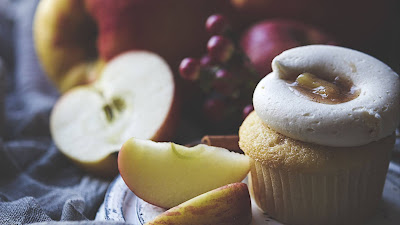 Food, dessert, cakes, pastries, apples, fruits