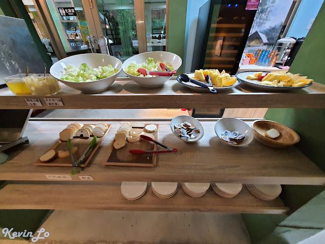 拉波波村營區自助式芬多精早餐