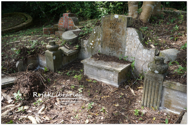 Tomb of Nyonya Seow Swee Oon at Bukit Brown