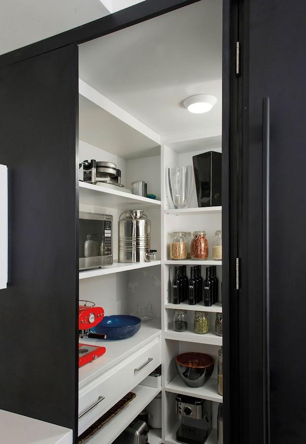 cocina-blanca-y-negra-con-isla-Secter-Design10