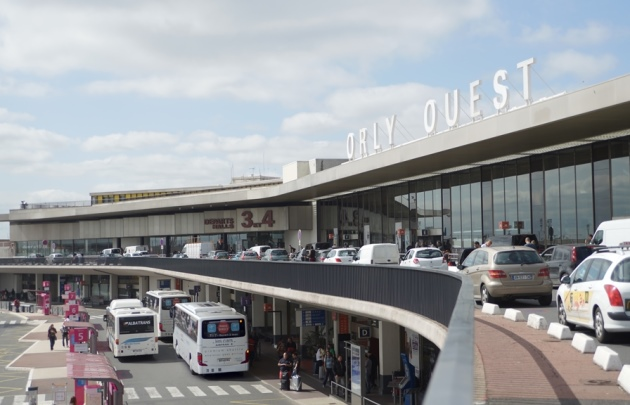 Know How to Hire an Airport Taxi Service Form Orly into Paris