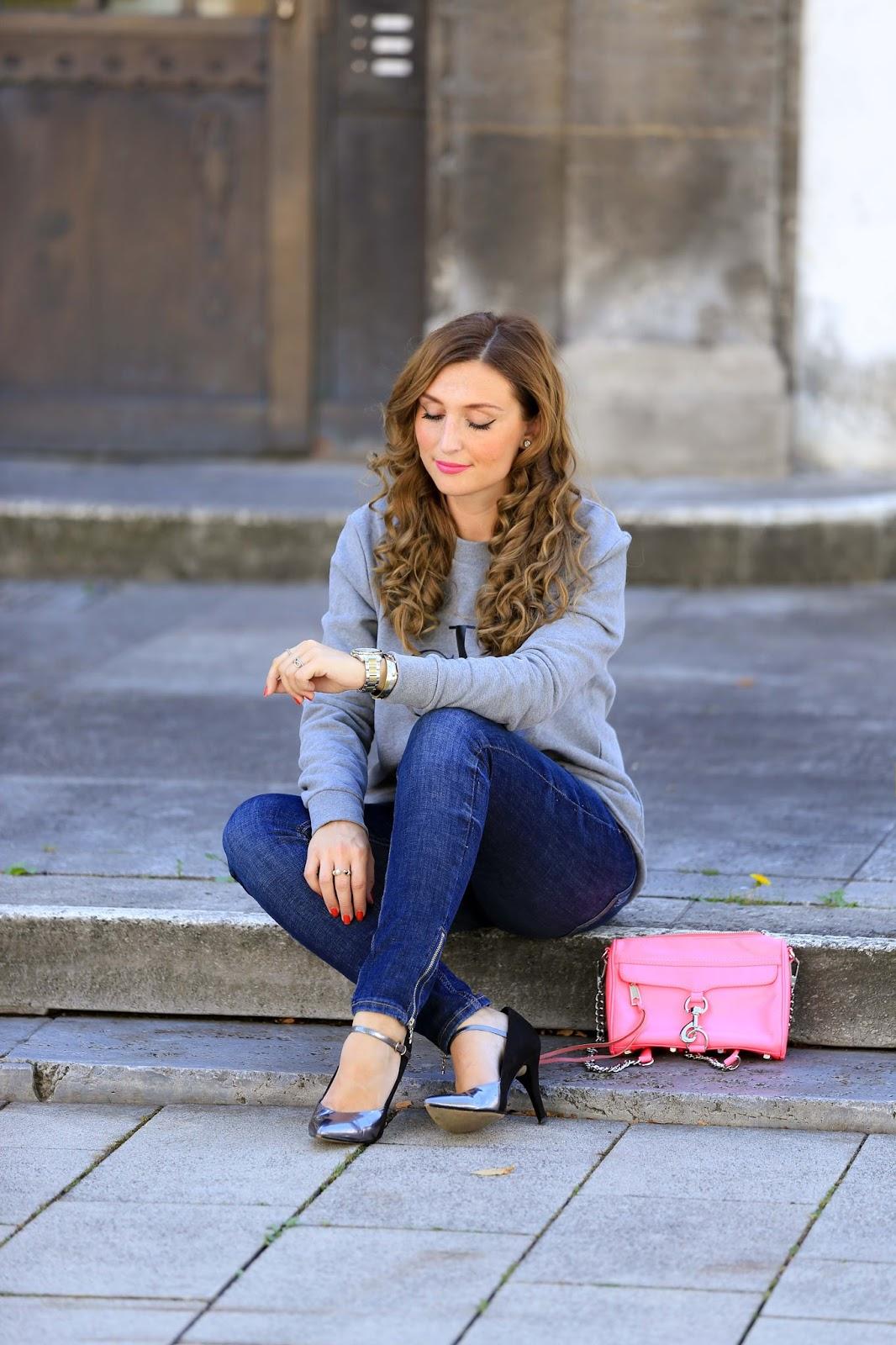 CK Pullover-grauer Pullover-pinke Tasche-Stella Mc Cartney Tasche-silberne Schuhe-Casual Streetstyle-Fashionstylebyjohanna-Blogger-Fashionblog-Outfit-Modeblog-München-deutsche-Fashionblogger-Influencer