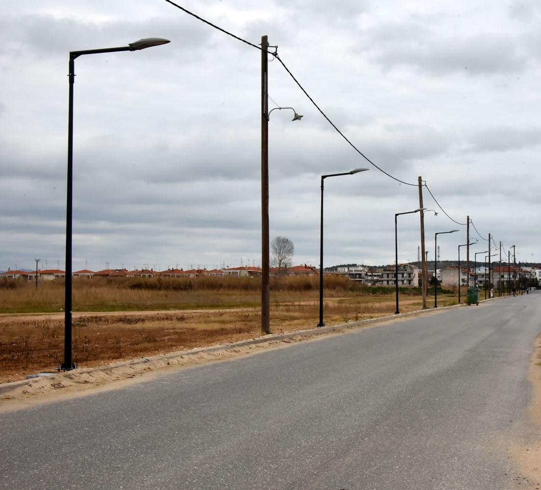 Τοποθέτηση φωτιστικών σωμάτων στην παραλιακή οδό οικισμού Μουριών – Παραλίας Διονυσίου.