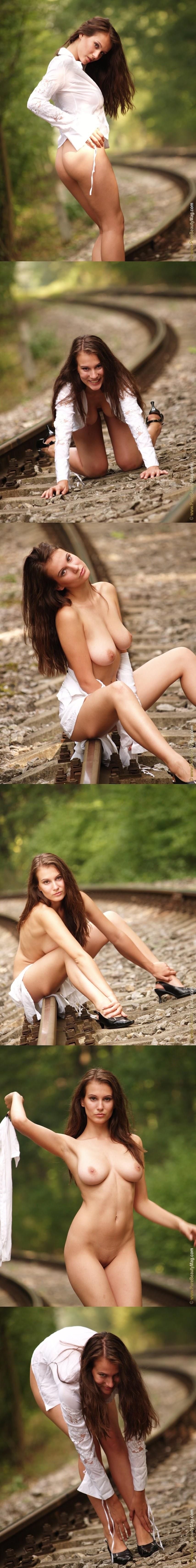 PureBeautyMag PBM  - 2005-10-15 - #s131912 - Veronika Stefan - Bride to be - 2560px - idols
