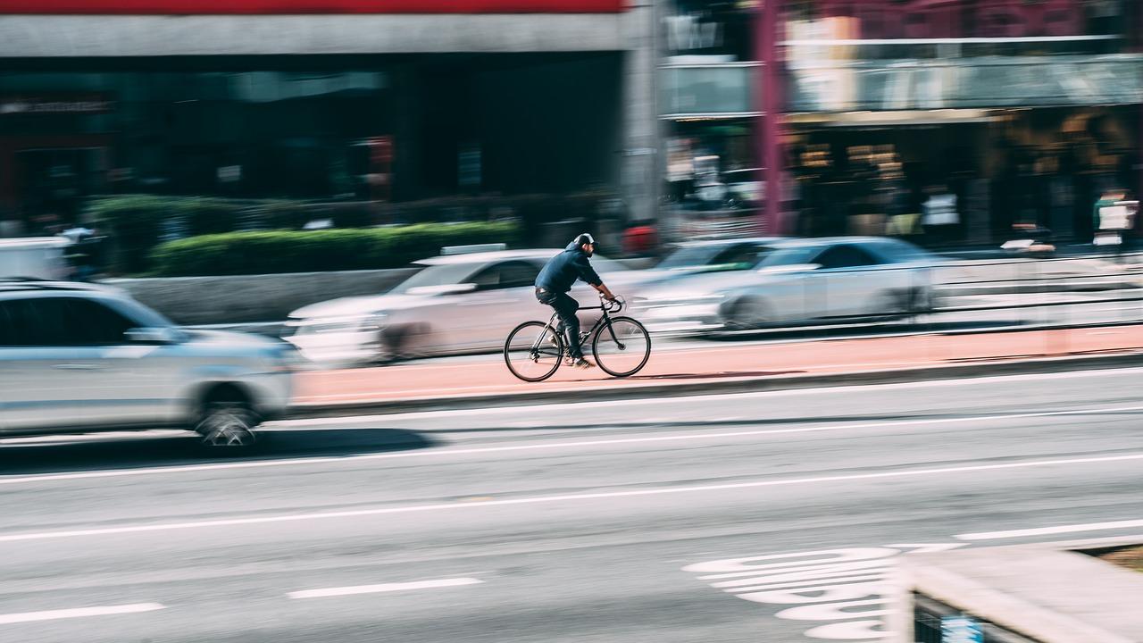 """Abandon du """"tout voitures"""": New York va se doter de 400km de pistes cyclables d'ici 5 ans"""