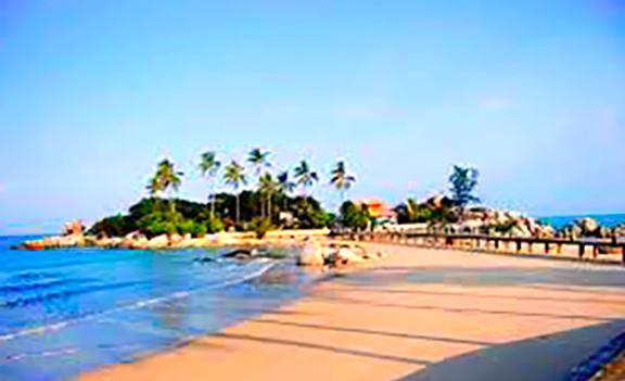 Gambar Pantai Penyusuk Di Bangka Belitung