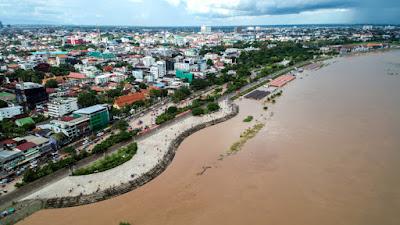 Mekong River in Vientiane