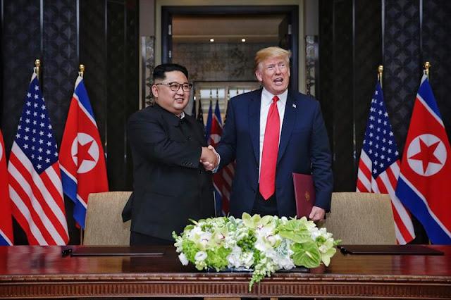 """""""O mundo vai presenciar uma grande mudança"""", disse Kim, durante a assinatura"""